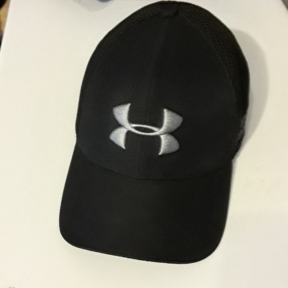582bff3bafc Nwot Under armour fitted hat. M 5cb4713d16105d21ef1f3c10